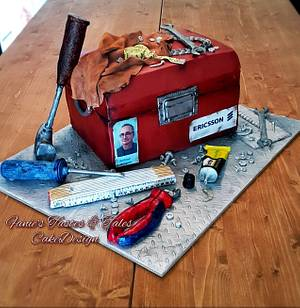 BIG OLD TOOLBOX - Cake by Fanie Feickert-Sell