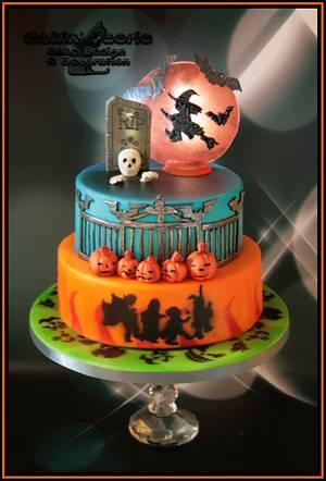 Burnham Youth Club's Halloween Cake - Cake by Suzanne Readman - Cakin' Faerie