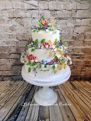 Woodland berries & blossoms - Cake by Blossom Dream Cakes - Angela Morris
