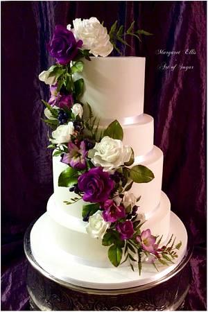 Purple love 💜 - Cake by Margaret Ellis - Art of Sugar