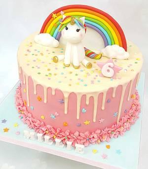 Unicorn drip cake  - Cake by Vanilla Iced