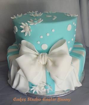Blue and white wedding cake - Cake by Irina Vakhromkina