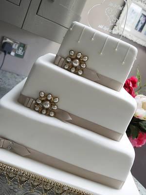 Jess Wedding Cake - Cake by Scrummy Mummy's Cakes