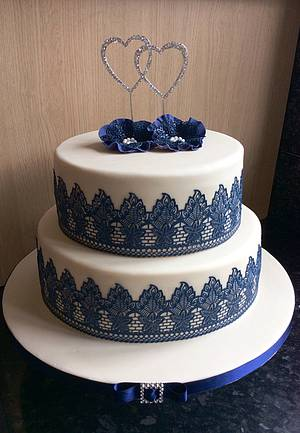 Navy and Ivory wedding cake - Cake by Deb-beesdelights