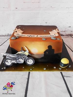 For the biker - Cake by Petra Krátká (Petu Cakes)