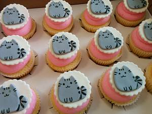 Pusheen the cat cupcakes - Cake by Cake That Bakery
