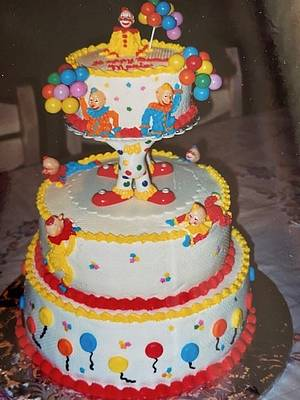 Here Come The clowns - Cake by Julia