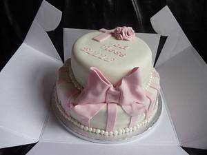 pink and white christening cake - Cake by Enchanting Cupcakes hobby cakes