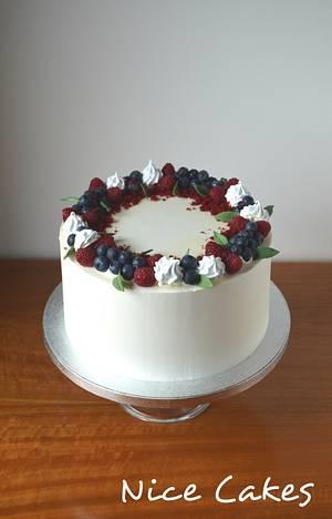 Simple buttercream cake - Cake by Paula Rebelo