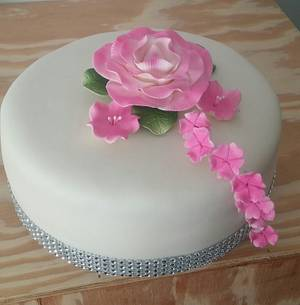 Sweet cake with pink flowers - Cake by m1bame