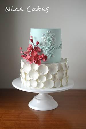 Blue and white birthday cake - Cake by Paula Rebelo
