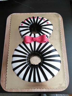 8 Cake - Cake by Cafemiumiu