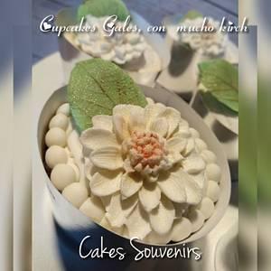 Wedding Cupcakes - Cake by Claudia Smichowski