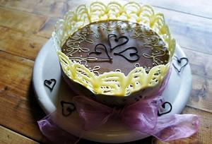 Tied with a ribbon - Cake by Lara`s