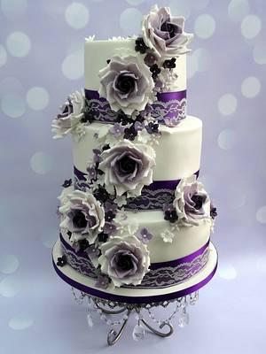 Vintage purple wedding cake <3 - Cake by Clairey's Cakery