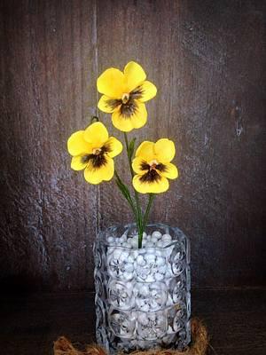 pansy flowers - Cake by Simone Barton