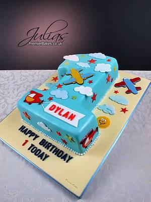 Birthday Cake - 1 year old - Cake by Premierbakes (Julia)