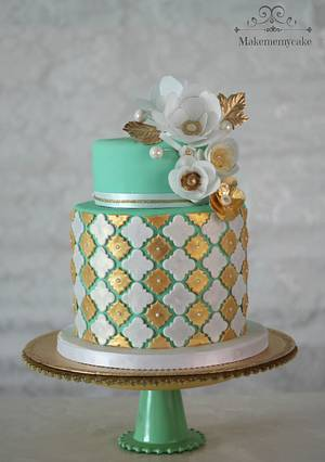 Green and gold cake with wafer paper flowers!! - Cake by Eva Salazar