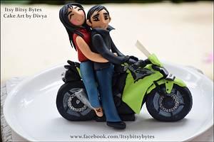 Couple on a bike cake - Cake by Divya Haldipur