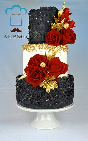 Black, Red and Gold ... Fabulous - Cake by José Pablo Vega