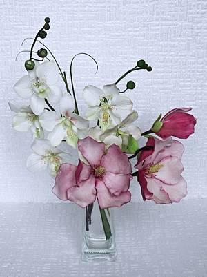white orchid and magnolia - Cake by Zuzana Bezakova