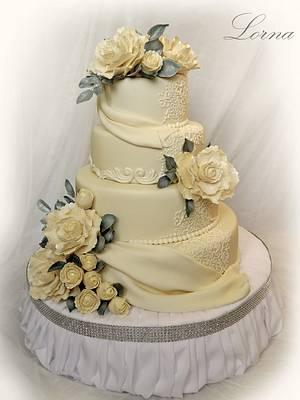 Romantic wedding cake.. - Cake by Lorna