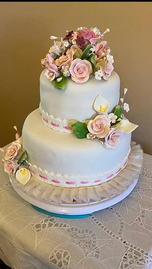 Roses and Lace Wedding Cake  - Cake by Julia