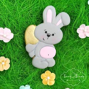 Bunny with GOLD egg - Cake by Inny Tinny