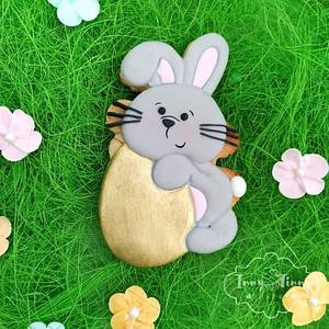 Easter bunny with golden egg - Cake by Inny Tinny