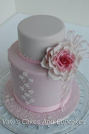 Rhapsody in Pink - Cake by Vavijana Velkov