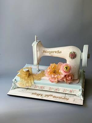 Vintage sewing machine  - Cake by Dsweetcakery