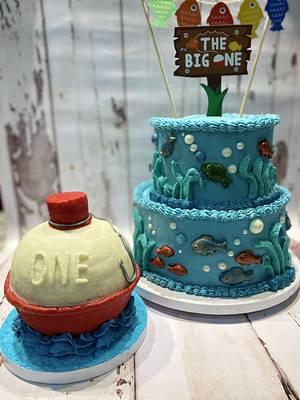 """""""The Big One"""" birthday cake & fishing bobber smash cake - Cake by eiciedoesitcakes"""