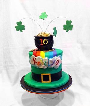 St Patrick Leprechaun Hat birthday cake - Cake by Jenny Kennedy Jenny's Haute Cakes