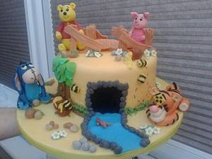 Winnie the Pooh and the gang - Cake by Disneyworld25
