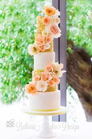 Gold and sparkly wedding cake - Cake by Bellaria Cake Design