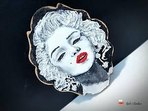 Marilyn versus Madonna - Cake by Gele's Cookies