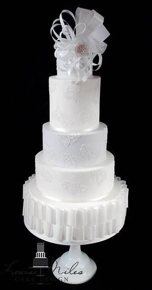 Paper & Lace wedding cake - Cake by CupcakesbyLouise