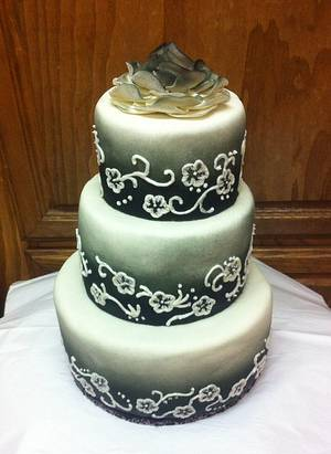 Black & White - Cake by sevenheavenlysweets