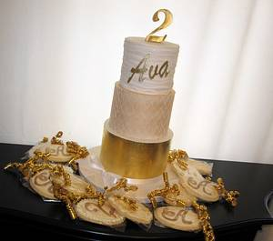Ava's golden  - Cake by Olga