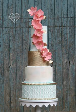Coral watercolour cake - Cake by The Whimsical Cakery