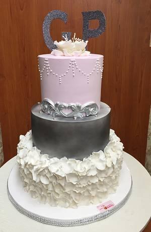 Elegance  - Cake by Michelle's Sweet Temptation