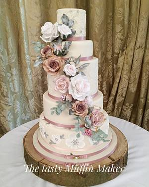 Vintage roses wedding cake  - Cake by Andrea