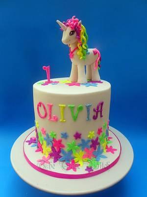 Unicorn - Cake by Nessie - The Cake Witch
