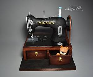 old sewing machine - Cake by cakeBAR