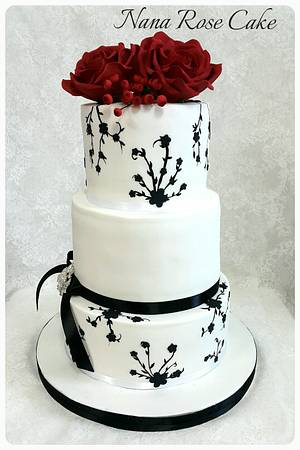 White and Black cake with red Roses  - Cake by Nana Rose Cake