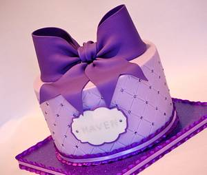 Big Purple Bow! - Cake by Lesley Wright