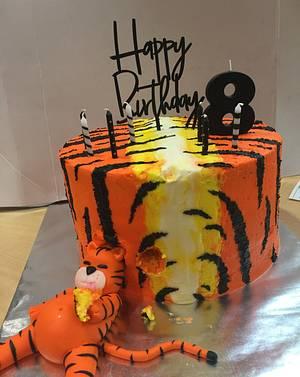 Stuffed Tiger  - Cake by Julie