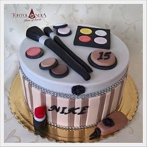 Make up box - Cake by Tortolandia