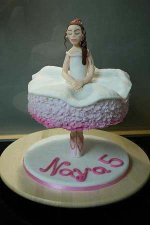Ballerina - Cake by Tina