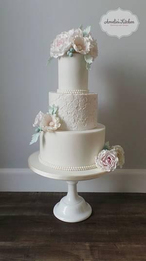 Winter wedding cake - Cake by Helen Ward